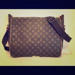 Authentic Luis Vuitton messenger bag